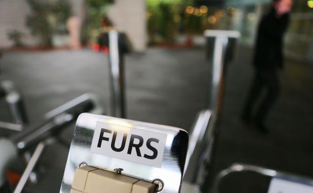 Pomoč dobijo samo tista podjetja, ki imajo poravnane vse obveznosti do Fursa. Foto Jože Suhadolnik