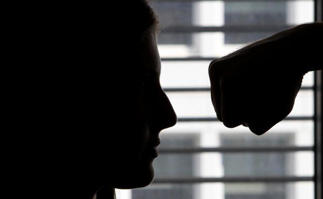 V nastajajoči resoluciji o nacionalnem programu preprečevanja nasilja v družini bo posebna pozornost namenjena tudi starejšim.<br /> Foto Blaž Samec