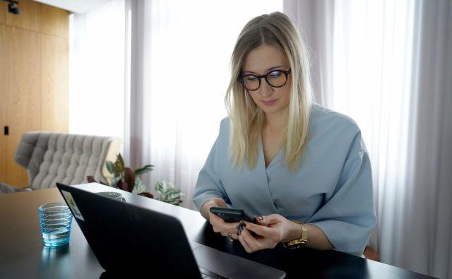 Prodaje zavarovanj po spletu je vse več, a klasični pristopi so tudi v zavarovalnicah še naprej najpomembnejši prodajni kanal.<br /> FOTIO: Janis Laizans/Reuters