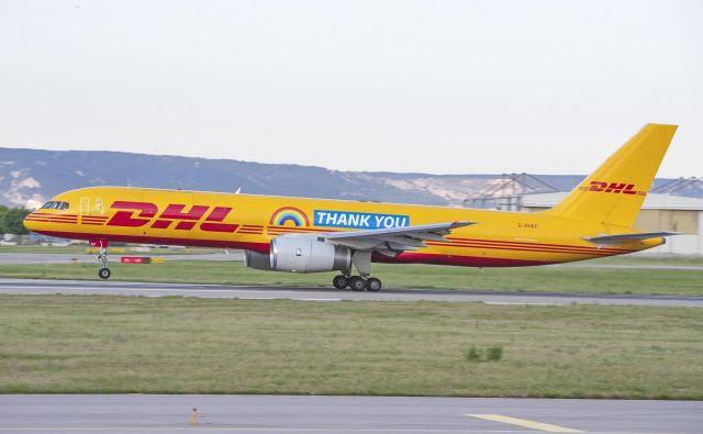 Letalo z napisom »Hvala« DHL uporablja kot običajni mrežni let z registrsko številko G-DHKF za različne destinacije po Evropi in širše.<br /> FOTO: Alexandre Dudath/DHL