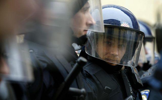 Hrvaška policija slovi po nasilju nad begunci. FOTO: Reuters