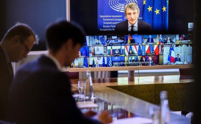 Strm padec gospodarstva po Evropi lahko privede do socialne in posledično politične krize, ki v Uniji lahko povzročijo potres.Foto: Eliot Blondet/Afp