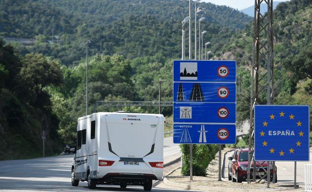 Spet je stekel promet med Francijo in Španijo. FOTO:Josep Lago/AFP
