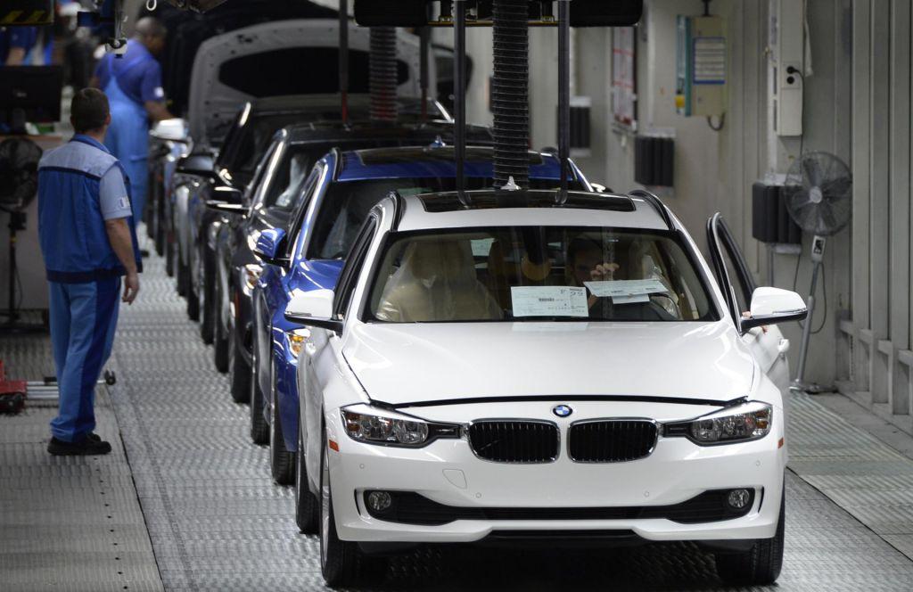 Tudi BMW krči delovno silo