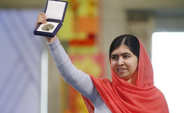 Malala Jusufzaj<strong> </strong>med podelitvijo Nobelovih nagrad leta 2014. FOTO: Reuters