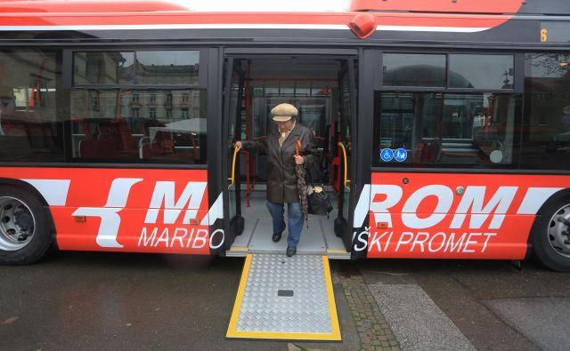 Zaradi neodplačnega prenosa avtobusov Marpromu ne bo več treba avtobusov amortizirati po 15-odstotni stopnji. FOTO: Tadej Regent/Delo