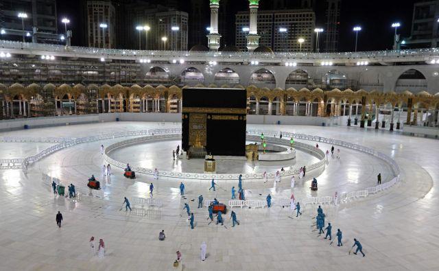 Romanje v Meko bo letos potekalo v omejenem številu. FOTO: AFP