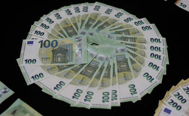 Tisti z najnižjimi pokojninami, nižjimi od 500 evrov, bodo prejeli 440 evrov, tisti s pokojnino, višjo od 860 evrov, pa bodo prejeli 130 evrov letnega dodatka. Foto Leon Vidic/delo