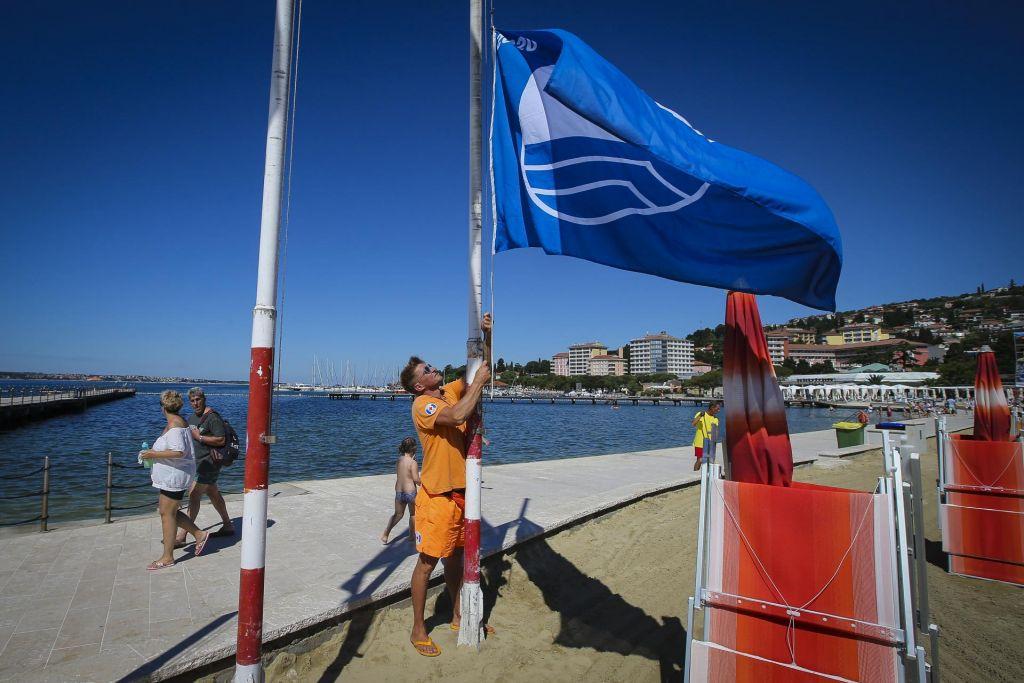 V Portorožu prvič v tej sezoni zaplapolala modra zastava