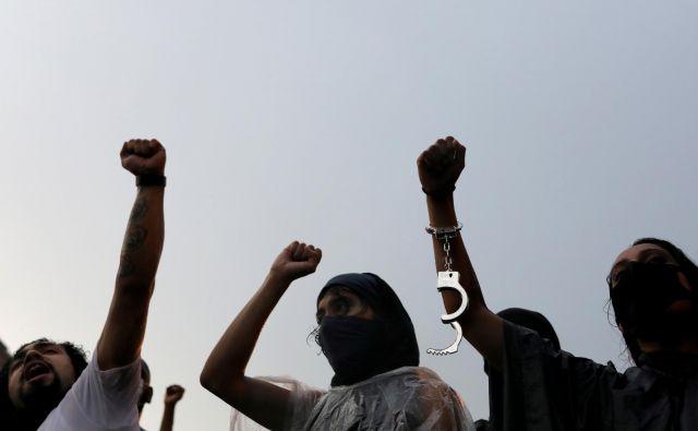 Po Floydovi smrti so se protesti proti rasizmu iz ZDA prelili prek Atlantika v druge države. Foto Carlos Barria/Reuters