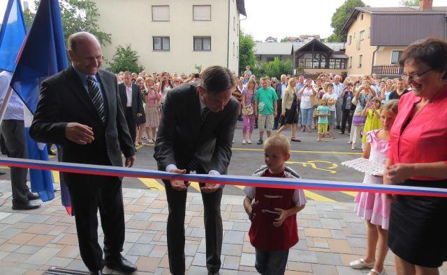 Predsednik države Borut Pahor je na uradnem odprtju Šmelca julija 2014 pohvalil primer dobre prakse. FOTO: Bojan Rajšek/Delo