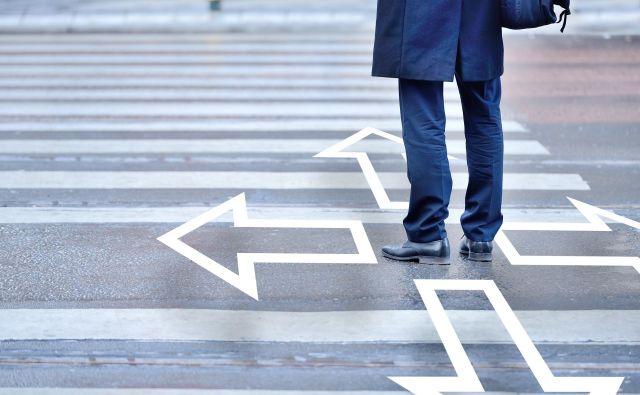 Organizacije imajo potrebe po preobrazbi delovne sile, vlagale pa so predvsem v tehnologijo. FOTO: Shutterstock