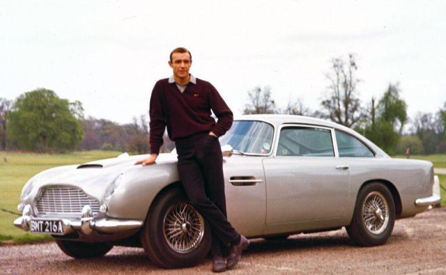 <br /> Aston martin DB5 in Sean Connery v vlogi Jamesa Bonda sta zaslovela leta 1964 v filmu Goldfinger. Foto Aston Martin