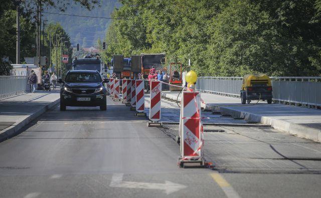 Tacenski železobetonski most čez Savo je bil zgrajen leta 1978. FOTO: Jože Suhadolnik/Delo