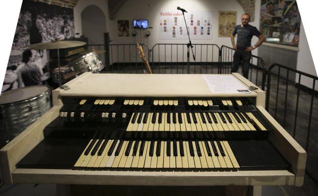 Klaviature znamke Hemmond je Ristovski kupil v Londonu od Steva Winwooda, člana skupine The Spencer Davis Group. FOTO: Jože Suhadolnik/Delo