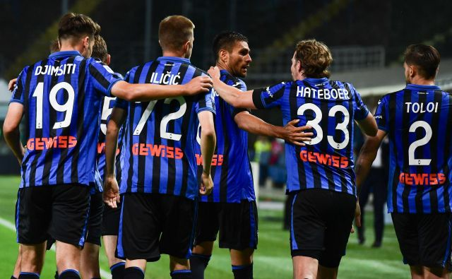 Atalanta se je sijajno odzvala po zaostanku z 0:2 in na koncu tudi s pomočjo Josipa Iličića, ki je igral od 77. minute (2:2), premagala Lazio s 3:2. FOTO: Miguel Medina/AFP