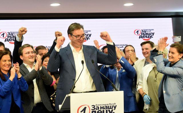 Minulo nedeljo so šli na volitve volivci v Srbiji in se odločili, da nimajo izbire, temveč imajo še naprej Vučića. FOTO: Aleksandar Dimitrijevic/Afp