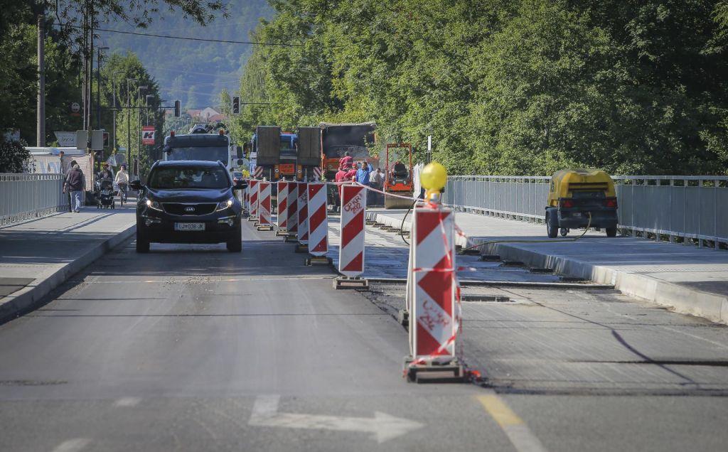 Most je obnovljen, cesta še čaka