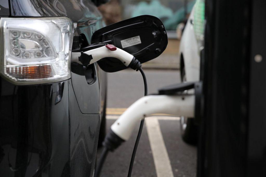 FOTO:Električni avtomobili – kljub krizi jih je več