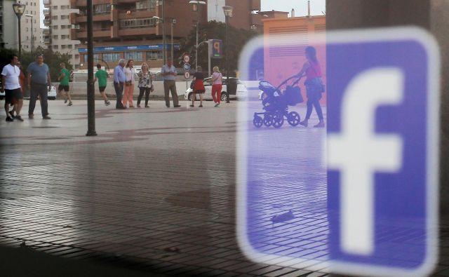 Zlorabo je prijavil facebooku, dve uri pozneje pa je bil račun - s strani neznancev - že izbrisan. FOTO: Jon Nazca/Reuters