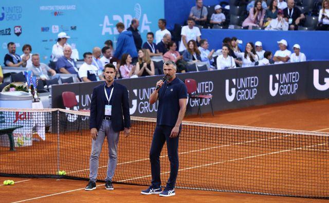 Goran Ivanisević (desno) in Đorđe Đoković sta morala v Zadru sporočiti gledalcem, da je Adria tour prekinjen. FOTO: Antonio Bronic/Reuters