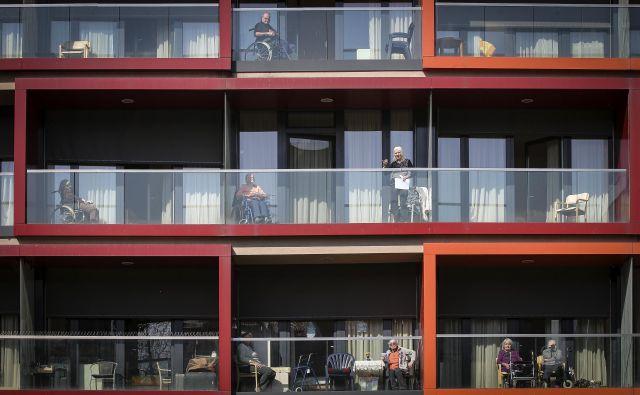 Na ministrstvu za delo napovedujejo dokončanje domov za starejše v Osilnici in Vrtojbi ter izgradnjo petih novih. Foto Jože Suhadolnik