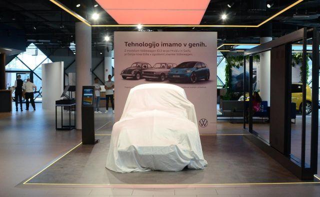 Volkswagnov center mobilne prihodnosti glavno zvezdo še čaka - električni VW ID.3 naj bi zamenjal hrošča, ki je zdaj pod pregrinjalom<br /> Foto Gašper Boncelj