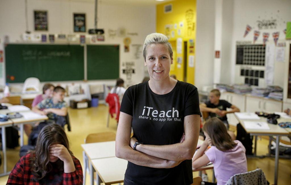 FOTO:V njenem razredu ni tišine, ker učenci – delajo