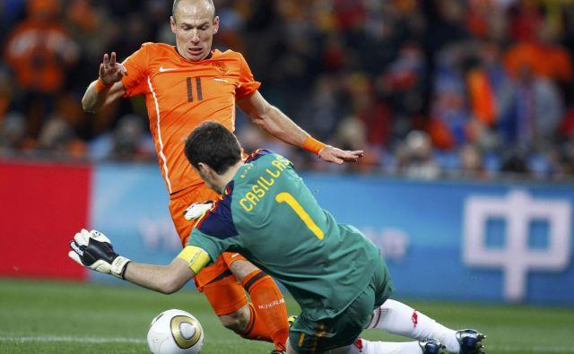 Arjen Robben bo na stara nogometna leta cvetel v deželi tulipanov. FOTO: Reuters