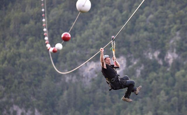 Črnjanska jeklenica je s 1260 metri najdaljši neprekinjen zipline v državi. Foto Boris Keber
