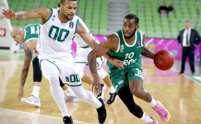 Codi Miller-McIntyre (z žogo) se je v minuli sezoni prikupil navijačem Cedevite Olimpije. FOTO: Roman Šipić