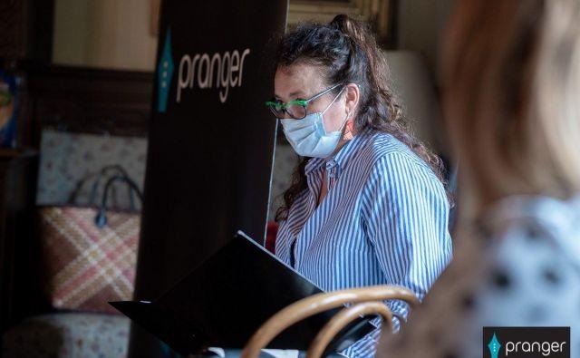 Soustanoviteljica in vodja <em>Prangerja</em> Urška P. Černe je na tiskovni konferenci predstavila festival, ki bo potekal skladno z uredbami, ki zagotavljajo varnost obiskovalcev. Foto Nina Medved/Pranger