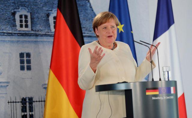Angela Merkel je že pred meseci dejala, da bo morala Nemčija v prihodnjih letih seči globlje v žep in več prispevati v skupno evropsko blagajno. FOTO:Hayoung Jeon/Reuters