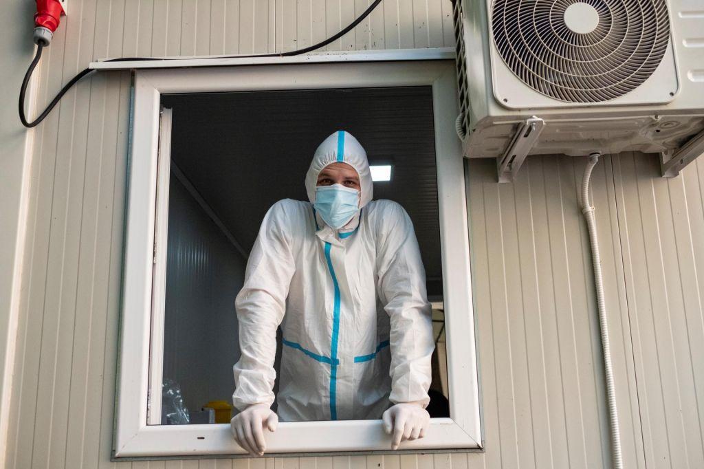 FOTO:V Srbiji potrjenih kar 276 novih okužb