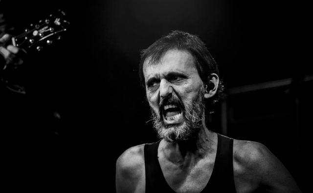 Goran Bare med lanskoletnim koncertom v Orto baru. FOTO: Jože Suhadolnik/Delo