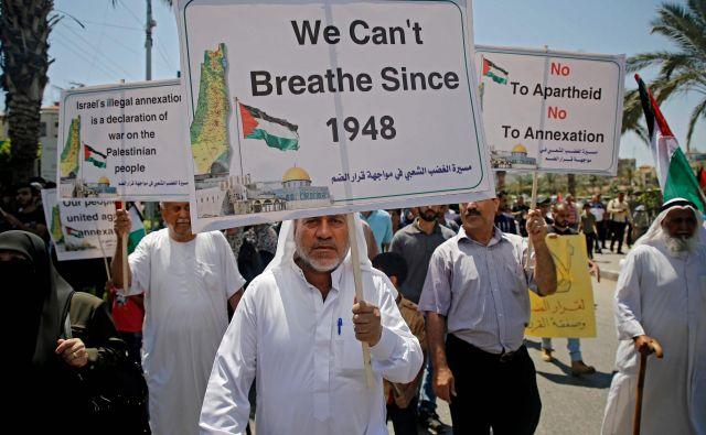 Na okupiranem Zahodnem bregu živi 2,6 milijona Palestincev in 400.000 judovskih priseljencev. FOTO: Mohammed Abed/AFP