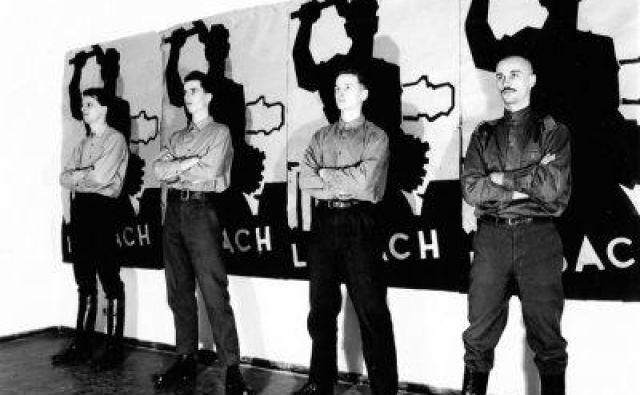 Skupino Laibach od začetka zaznamuje vizualnost. Zagotovo je ena od redkih glasbenih skupin s tako dodelano lastno podob. FOTO:arhiv Laibach/Dušan Gerlica