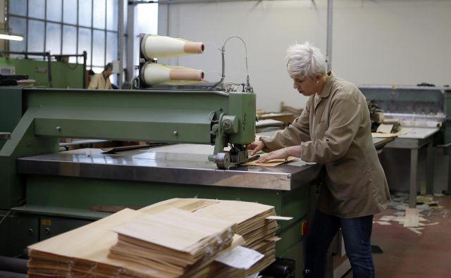 Povprečna starost v Sloveniji se je v preteklih dveh desetletjih povečala za več kot štiri leta. To se pozna tudi na trgu dela. FOTO: Blaž Samec/Delo