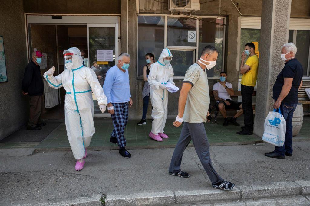 FOTO:V Srbiji 272 okužb, pri nas se krepi strah za prihodnost