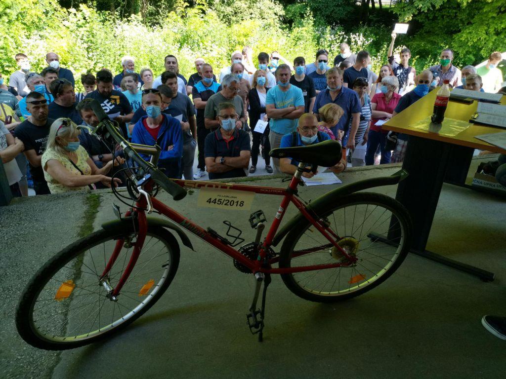FOTO:Moško kolo KTM tip Forever - izklicna cena deset evrov