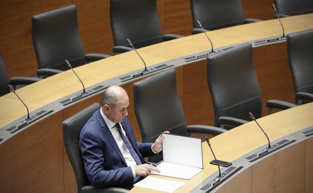 Janez Janša je v ostrem pismu Dragu Šketi očital, da zanemarja svojo zakonsko vlogo. FOTO: Uroš Hočevar/Delo