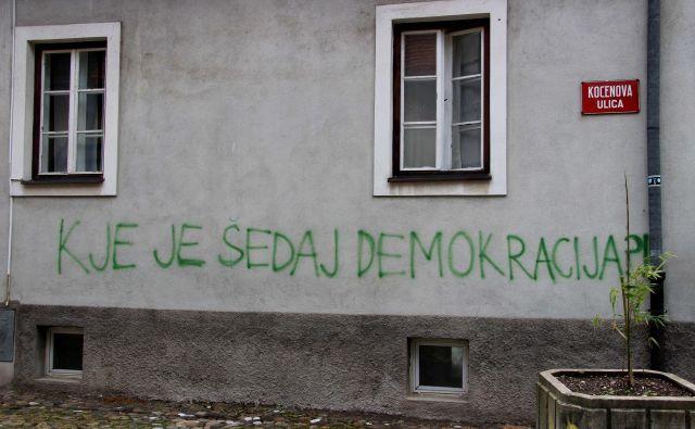 Demokracija je torej resno ogrožena. Avtoritarni politični sistem, ki jo ponekod že nadomešča, ima pomembne nastavke nekdanjega fašizma. Najbolj velja to, kot rečeno, za države vzhodne Evrope. Foto Brane Piano
