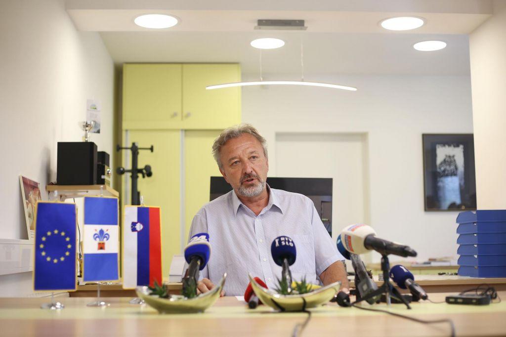 FOTO:Zaradi širjenja virusa je občina Moravče po odredbi župana zaprta