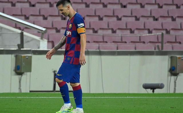 Večja ko je kriza Barcelone, bliže odhodu je Lionel Messi. Argentinec ima pogodbo do junija 2021. FOTO: Lluis Gene/AFP