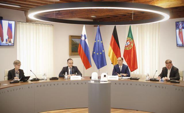 Slovenski zunanji minister Anže Logar je na delovnem obisku gostil nemškega kolega Heika Maasa. FOTO: Jure Eržen/Delo