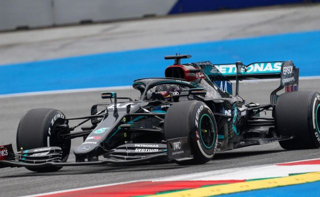 Lewis Hamilton je odlično štartal v vikend na avstrijskem Štajerskem. FOTO: Darko Bandic/AFP