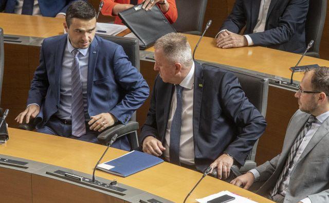 Prvaka NSi in SMC še vedno nista navdušena nad izborom Desusa za nadzornika SDH. Andrej Prebil pa pravi, da se še ni dokončno odločil glede svoje prihodnosti. FOTO: Voranc Vogel/Delo