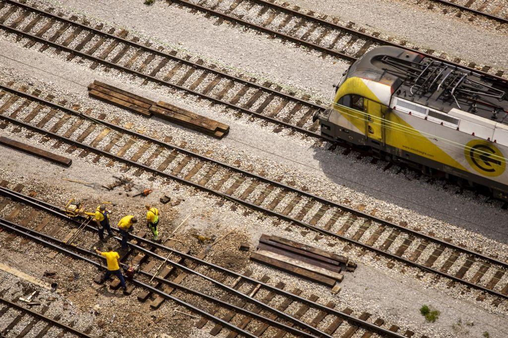 FOTO:Strah, da projekti za črpanje evropskih sredstev ne bodo pripravljeni