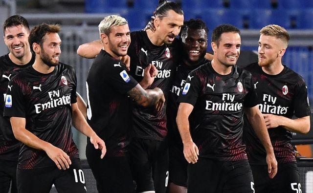 Zlatan Ibrahimović je na svojem zadnjem gostovanju v Rimu popeljal Milano do tretje pokoronske zmage in ima veliko zaupanje igralcev, ki se podrejajo njegovi avtoriteti. V torek bo igral še zadnji veliki derbi v Italiji. FOTO: Tiziana Fabi/AFP