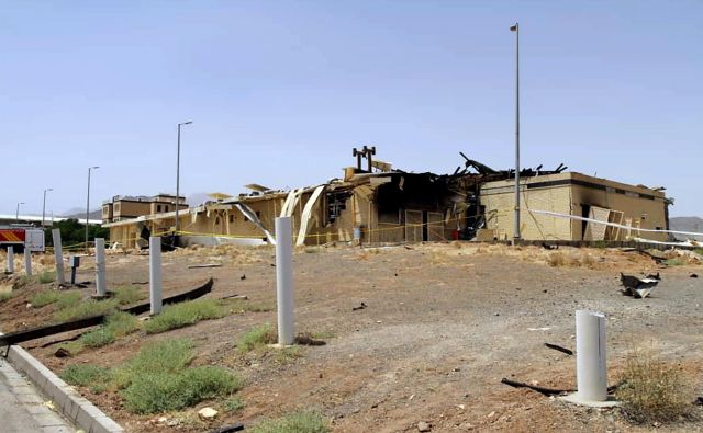 Del škode v jedrskem objektu v Natanzu. FOTO: AFP